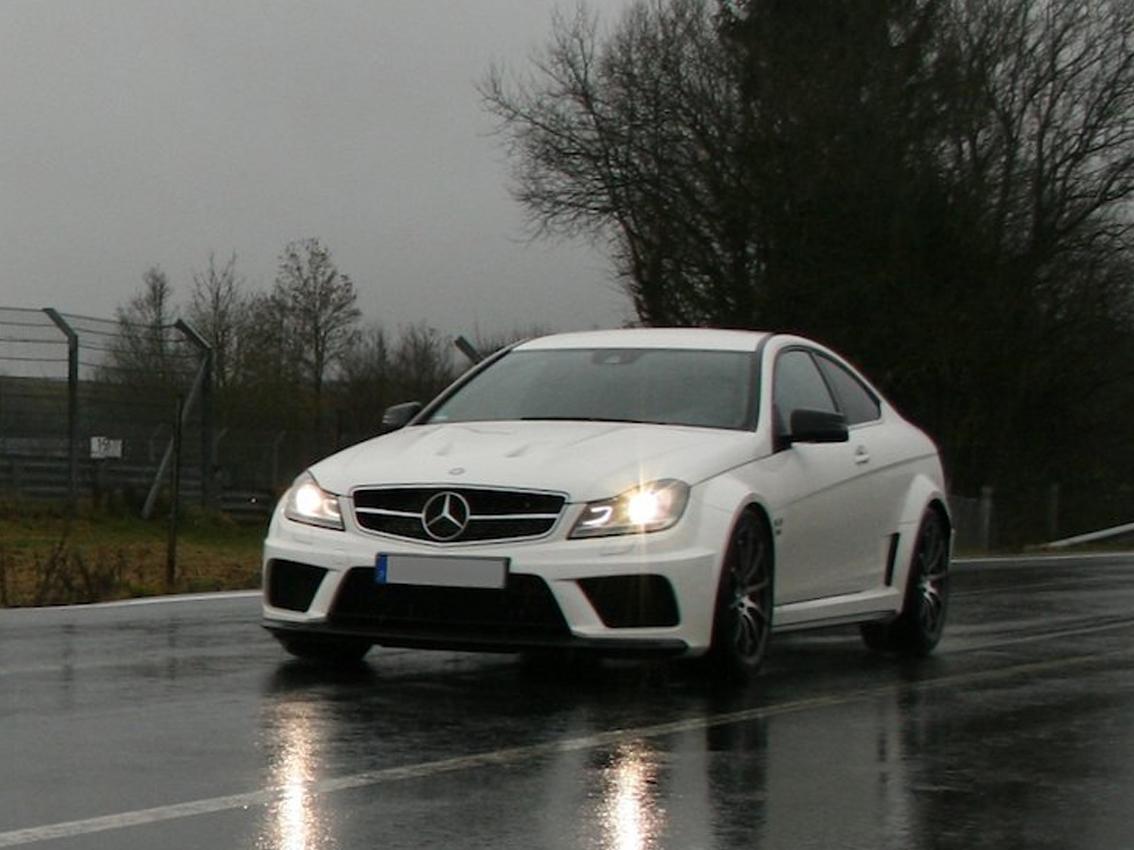 Endschalldämpfer Auspuff Mercedes Limousine Kombi C250-W202 2.5 Turbo Diesel